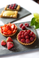 Strawberry and raspberry tartlets